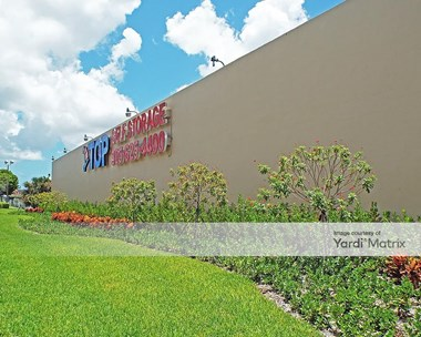 Storage Units for Rent available at 5100 NW 167th Street, Miami Gardens, FL 33014 Photo Gallery 1