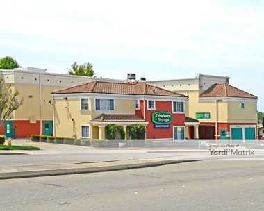 Storage Units for Rent available at 3939 Castro Valley Blvd, Castro Valley, CA 94546 Photo Gallery 1