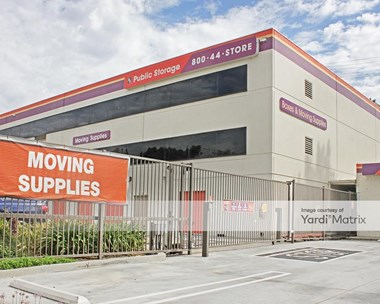 Storage Units for Rent available at 10830 Venutra Blvd, Studio City, CA 91604 Photo Gallery 1