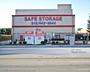 Storage Units for Rent available at 14601 Sherman Way, Van Nuys, CA 91405 Photo Gallery 1