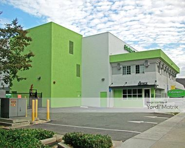 Storage Units for Rent available at 5225 Pacific Coast Hwy, Sherman Oaks, CA 91411 Photo Gallery 1