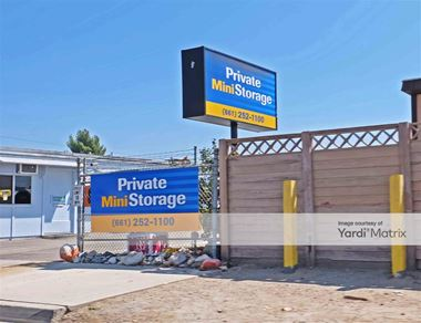Storage Units for Rent available at 20628 Santa Clara Street, Canyon Country, CA 91351 Photo Gallery 1