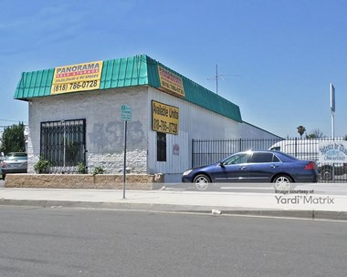Storage Units for Rent available at 14647 Arminta Street, Panorama City, CA 91402 Photo Gallery 1