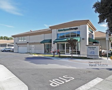 Storage Units for Rent available at 1285 Thousand Oaks Blvd, Thousand Oaks, CA 91362 Photo Gallery 1
