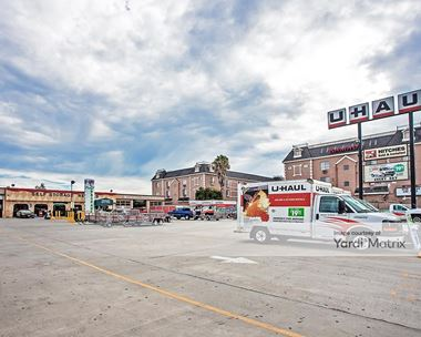 Storage Units for Rent available at 21326 Devonshire Street, Chatsworth, CA 91311 Photo Gallery 1