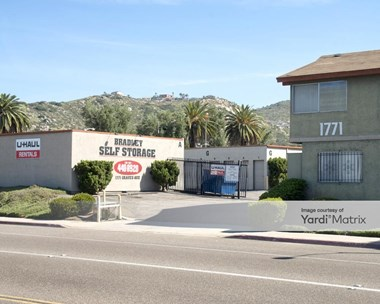 Storage Units for Rent available at 1771 Graves Avenue, El Cajon, CA 92021 Photo Gallery 1
