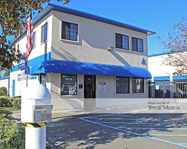 Storage Units for Rent available at 325 Trousdale Drive, Chula Vista, CA 91910 Photo Gallery 1