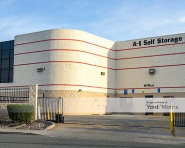 Storage Units for Rent available at 8328 Center Drive, La Mesa, CA 91942 Photo Gallery 1