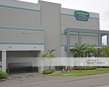 Storage Units for Rent available at 910 SW 68th Avenue, Miami, FL 33144 Photo Gallery 1