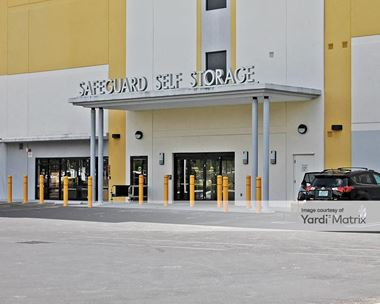 Storage Units for Rent available at 17171 South Dixie Hwy, Palmetto Bay, FL 33157 Photo Gallery 1