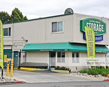 Storage Units for Rent available at 210 Fallon Street, Oakland, CA 94607 Photo Gallery 1