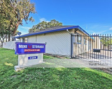 Storage Units for Rent available at 109 Aegean Way, Vacaville, CA 95687 Photo Gallery 1