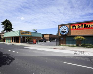 Storage Units for Rent available at 1445 West San Carlos Street, San Jose, CA 95126 Photo Gallery 1