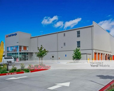 Storage Units for Rent available at 401 Santa Ana Avenue, San Jose, CA 95112 Photo Gallery 1