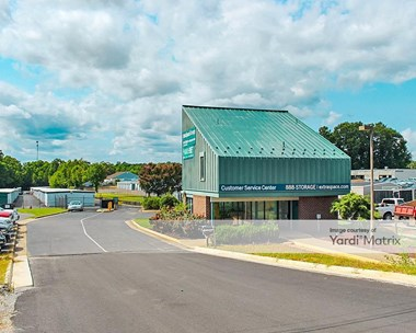 Storage Units for Rent available at 4701 Jefferson Davis Hwy, Fredericksburg, VA 22408 Photo Gallery 1