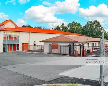 Storage Units for Rent available at 2921 Centreville Road, Herndon, VA 20171 Photo Gallery 1
