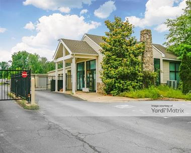 Storage Units for Rent available at 19861 Belmont Ridge Road, Ashburn, VA 20147 Photo Gallery 1