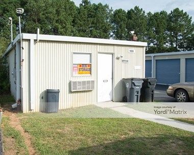 Storage Units for Rent available at 74 Oak Street, Hampton, GA 30228 Photo Gallery 1