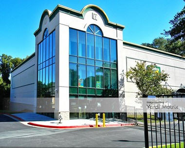 Storage Units for Rent available at 8711 Dunwoody Place, Sandy Springs, GA 30350 Photo Gallery 1