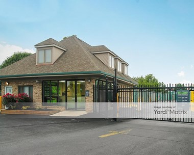 Storage Units for Rent available at 18920 Earhart Court, Gaithersburg, MD 20879 Photo Gallery 1