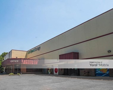 Storage Units for Rent available at 4950 Nicholson Court, Kensington, MD 20895 Photo Gallery 1