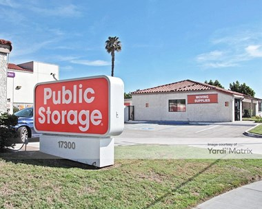 Storage Units for Rent available at 17300 Newhope Street, Fountain Valley, CA 92708 Photo Gallery 1
