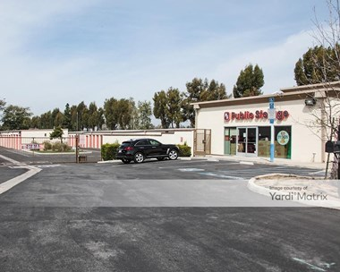 Storage Units for Rent available at 13241 Jeffrey Road, Irvine, CA 92620 Photo Gallery 1