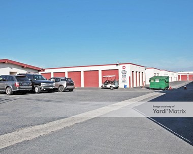 Storage Units for Rent available at 401 North Fairview Street, Santa Ana, CA 92703 Photo Gallery 1