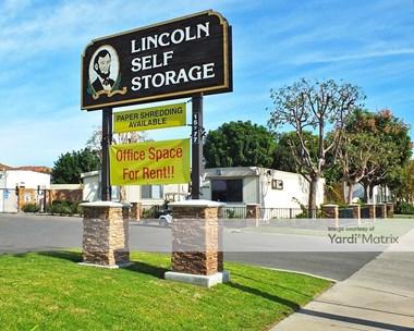 Storage Units for Rent available at 15777 East Lincoln Avenue, Orange, CA 92865 Photo Gallery 1