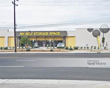 Storage Units for Rent available at 1295 West Lambert Road, Brea, CA 92821 Photo Gallery 1