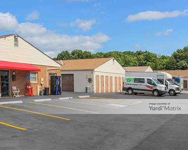Storage Units for Rent available at 3662 1/2 Jefferson Davis Hwy, Fredericksburg, VA 22408 Photo Gallery 1