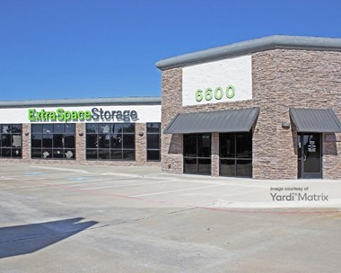 Storage Units for Rent available at 6600 K Avenue, Plano, TX 75074 Photo Gallery 1