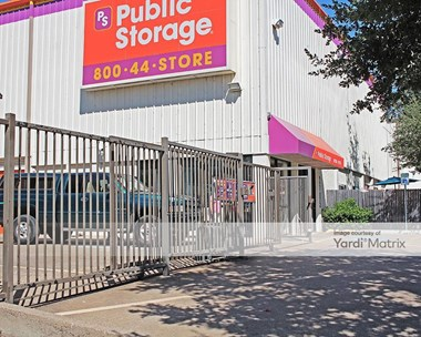 Storage Units for Rent available at 2105 Winsted Drive, Dallas, TX 75214 Photo Gallery 1