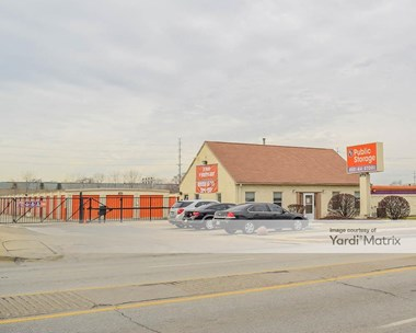 Storage Units for Rent available at 2040 South 25Th Avenue, Broadview, IL 60155 Photo Gallery 1