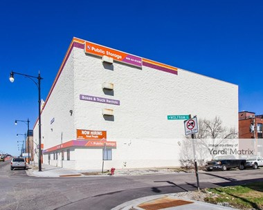 Storage Units for Rent available at 2835 North Western Avenue, Chicago, IL 60618 Photo Gallery 1
