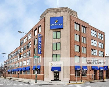 Storage Units for Rent available at 2361 South State Street, Chicago, IL 60616 Photo Gallery 1