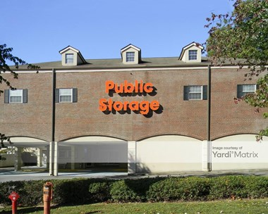 Storage Units for Rent available at 4654 Roswell Road, Sandy Springs, GA 30342 Photo Gallery 1