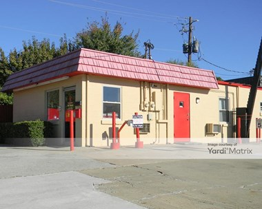 Storage Units for Rent available at 3751 Longmire Way, Doraville, GA 30340 Photo Gallery 1