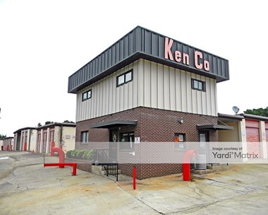 Storage Units for Rent available at 5050 Charbett Drive, College Park, GA 30349 Photo Gallery 1