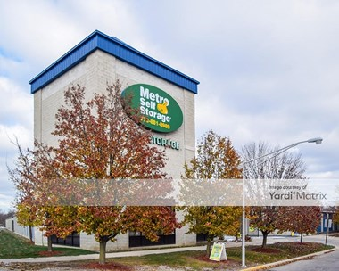 Storage Units for Rent available at 1344 West 105th Street, Chicago, IL 60643 Photo Gallery 1