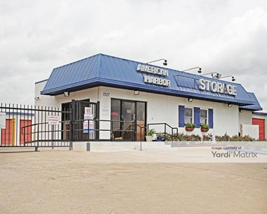 Storage Units for Rent available at 7227 South RL Thornton Fwy, Dallas, TX 75232 Photo Gallery 1