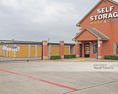 Storage Units for Rent available at 1010 East Highway 67, Duncanville, TX 75137 Photo Gallery 1