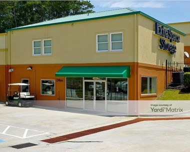 Storage Units for Rent available at 2890 Cobb Pkwy NW, Kennesaw, GA 30152 Photo Gallery 1