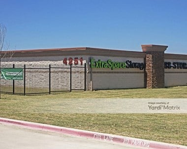 Storage Units for Rent available at 4251 State Highway 161, Irving, TX 75038 Photo Gallery 1
