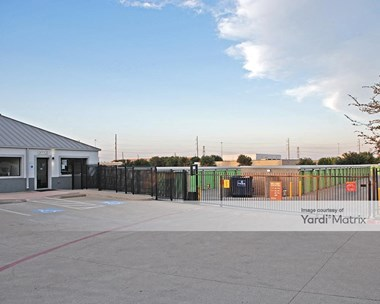 Storage Units for Rent available at 12100 Shiloh Road, Dallas, TX 75228 Photo Gallery 1