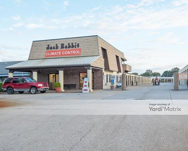 Storage Units for Rent available at 5929 Providence Road, Virginia Beach, VA 23464 Photo Gallery 1