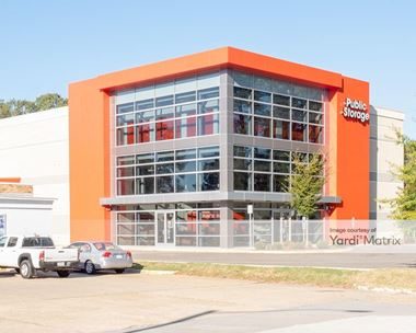 Storage Units for Rent available at 12963 Jefferson Avenue, Newport News, VA 23608 Photo Gallery 1