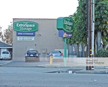 Storage Units for Rent available at 17701 Ibbetson Avenue, Bellflower, CA 90706 Photo Gallery 1