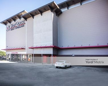 Storage Units for Rent available at 7540 Rosecrans Avenue, Paramount, CA 90723 Photo Gallery 1