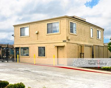 Storage Units for Rent available at 1650 West Winton Avenue, Hayward, CA 94545 Photo Gallery 1